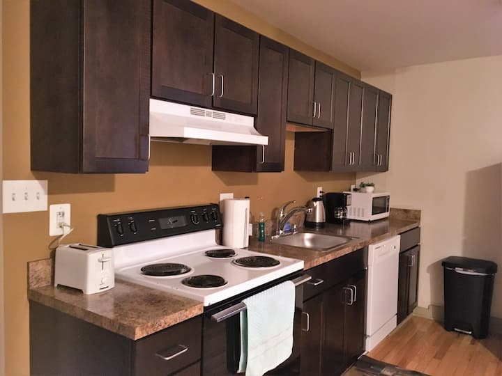 Awesome Apartment in Mt Vernon, Walk Everywhere