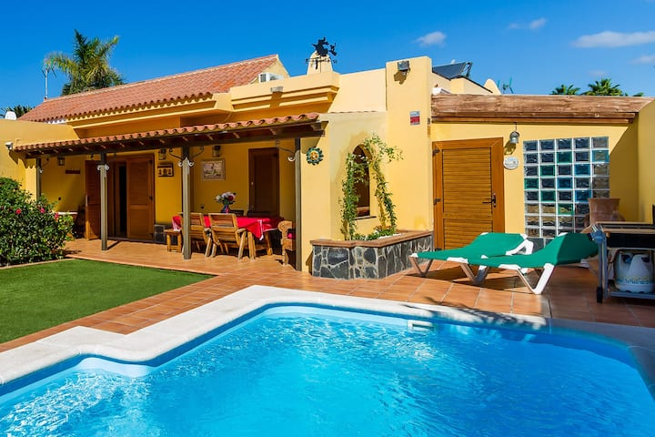 Maspalomas Villa; Pool/Garden,AC/Wifi, near beach