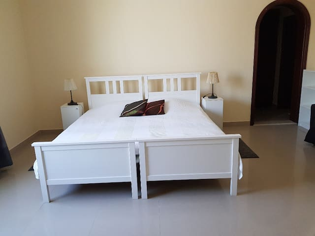 Fully Furnished large room in a very nice villa