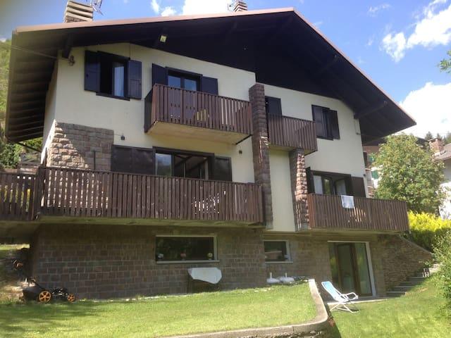 Nuovo appartamento in villa con giardino