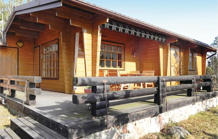Holiday cottage with 3 bedrooms on 85m² in Grisslehamn