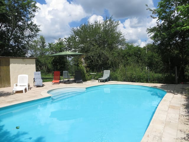 Le Catalpa with pool, gardens and tranquillity
