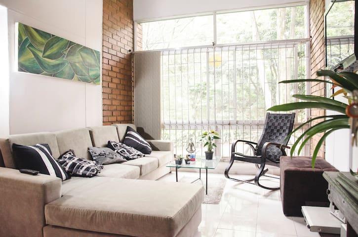 Relaxing room  in Poblado Provenza - Medellín