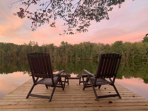 The Maple Lakehouse - cozy waterfront retreat