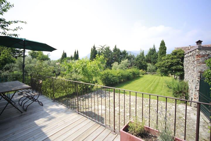 """Le Chiusure - casa """"Castello"""" - San Felice del Benaco - Rumah"""