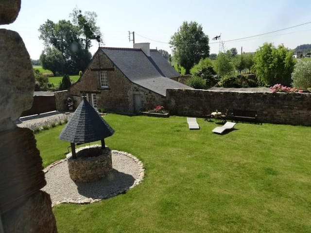 Gîte entre Mont St Michel et St Malo - Mont-Dol - House