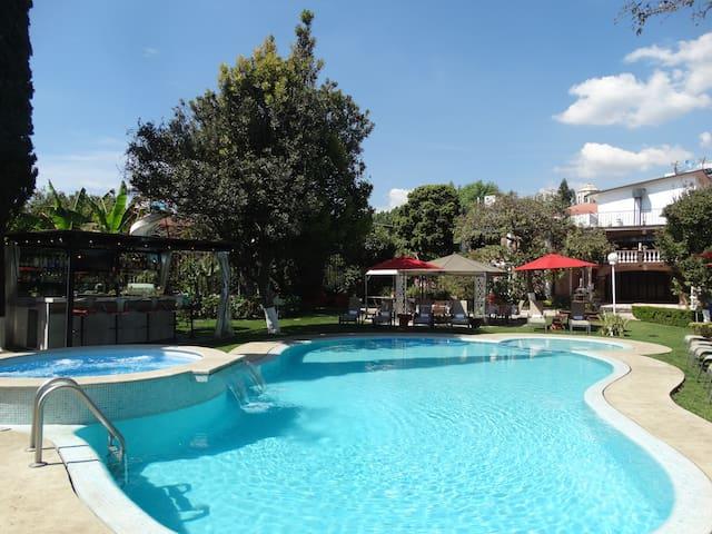Hermosa Casa con Alberca Climatizada en Cuernavaca