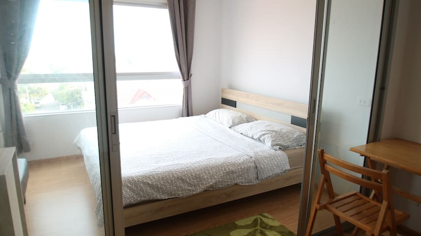 Cozy and comfy bed in Nonthaburi (west of Bangkok)