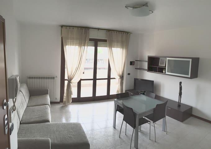 Moderno, Ampio Monolocale Arredato - Cormano - Wohnung