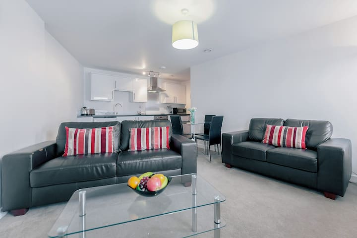 Jubilee Court - Horley - Apartment