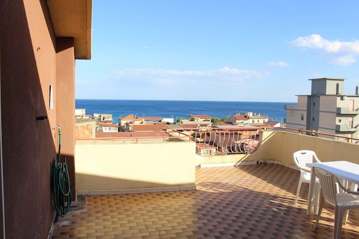 Huge terrace overlooking the sea - 5° floor
