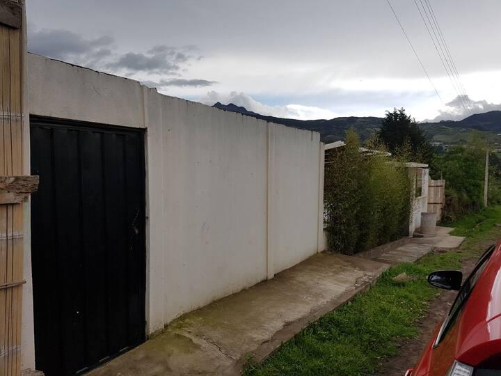 Comoda vivienda a las afueras de Otavalo.