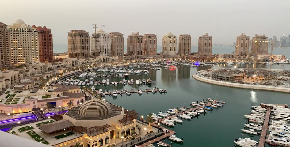 Luxury 2 bedrooms apartment with marina view