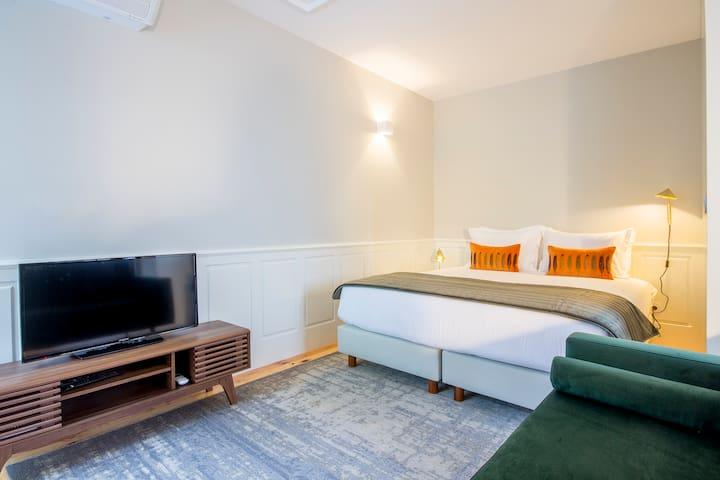 Longtail Oporto Apartments I