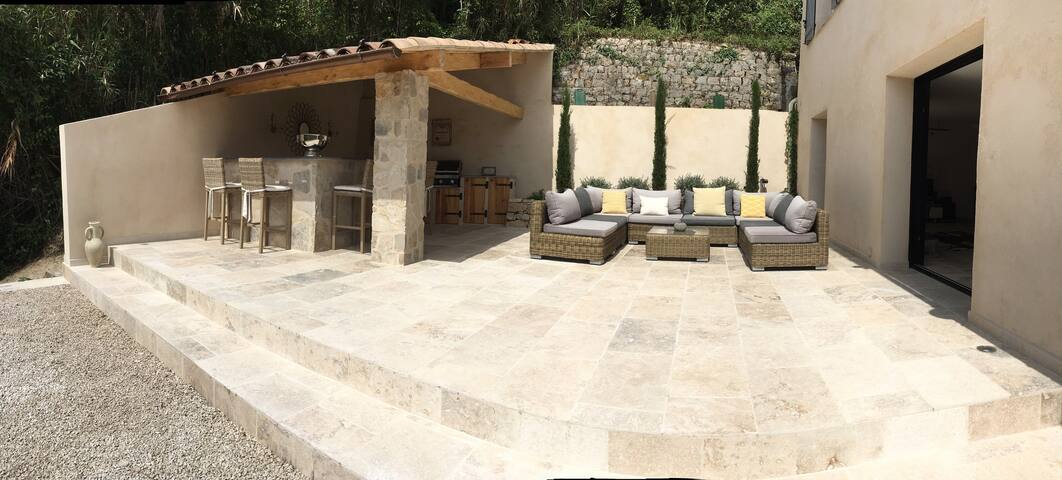 Stylish contemporary villa with amazing views