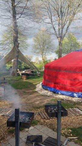 Yurt op prachtige plek