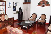 A vintage themed Living Room at HighPoint Home Stay!
