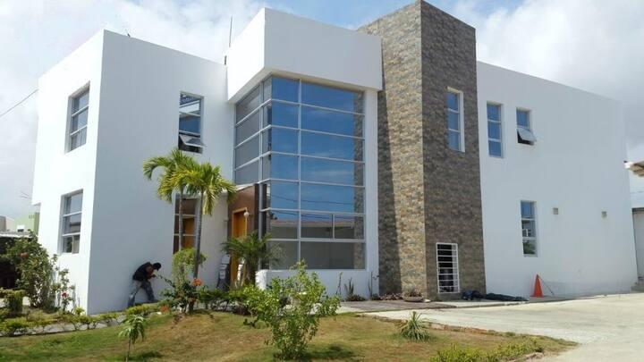 Habitación privada, (pb) en Manta