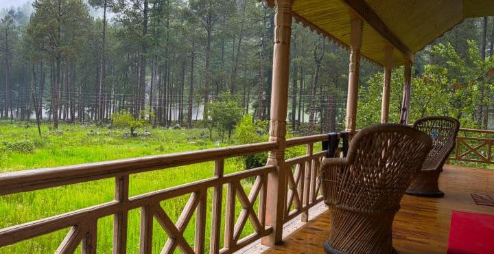 Colonel's Dacha, Kasol - Wooden Family Room