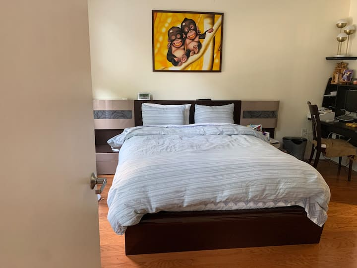 Beautiful two bedroom apartment in Paulus Hook, JC