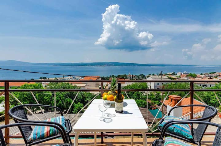apt for 4 pers with WLAN in Crikvenica R96913