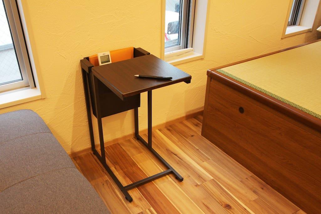 ミニテーブル/Mini Table