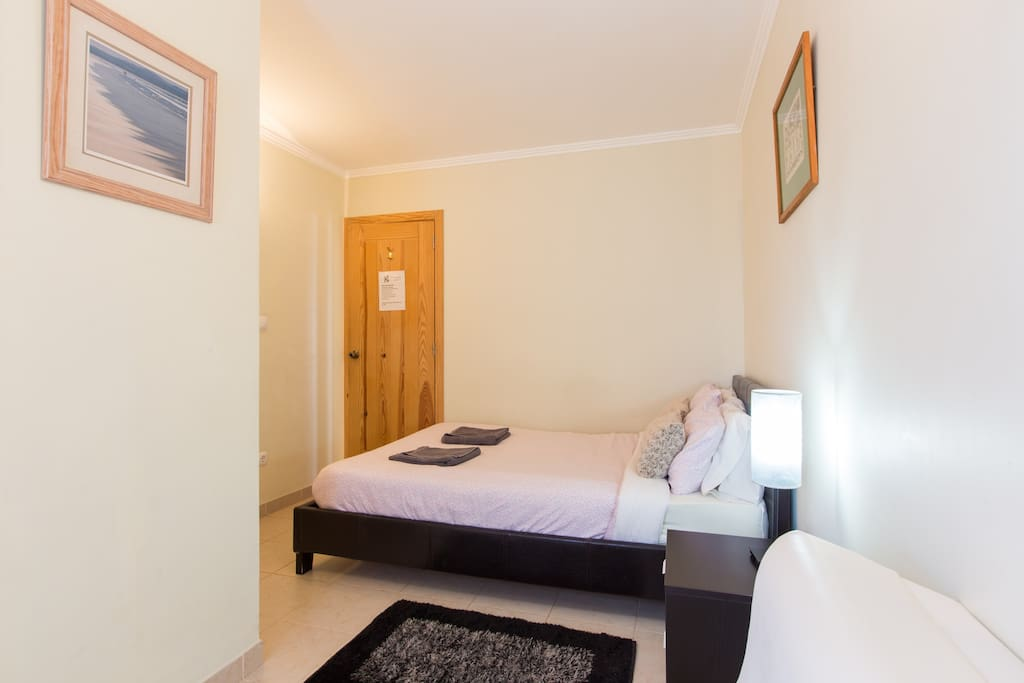 Ensuite double room in our more private groundfloor of the Lodge  by 2 other rooms ,the patio and kitchen