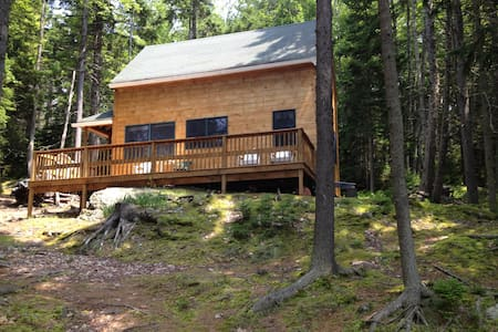 Ocean Island Escape by Boat - Harpswell - Cabin