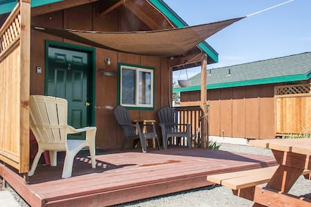 Cabin near Smith Rock & Bend.. - Terrebonne - Casa de campo