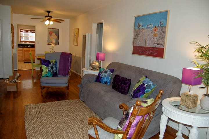 Fab Furnished Condo at Best Price!