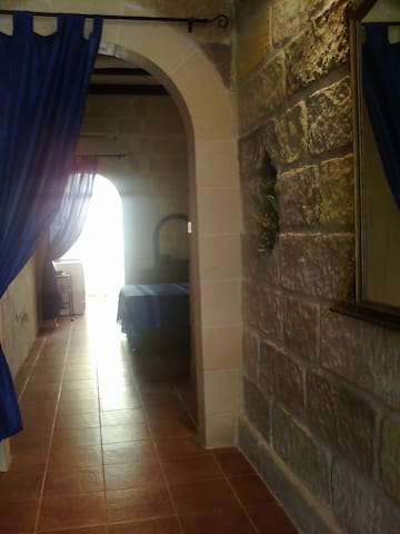 10min from airport seafront ground floor Free Wifi - Birzebbuga - Casa
