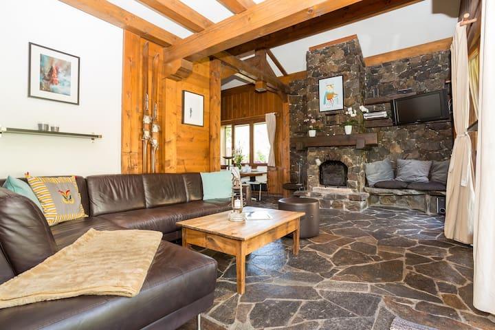 100m2 Apartment with Deck/Garden