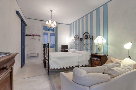 Studio in villa medievale del 1200 - Apartamento