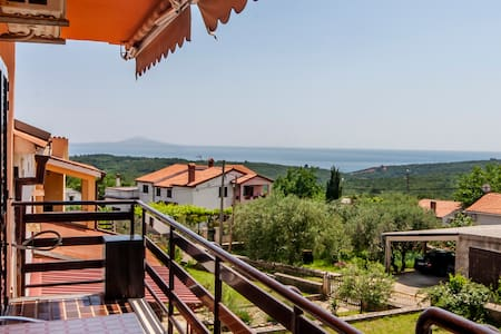 Spatious apartment with Sea view 2+2 in Istria