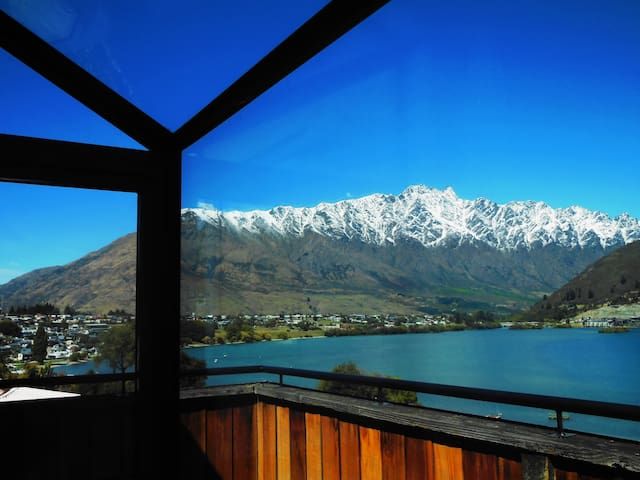 Double room, lake & mountain views