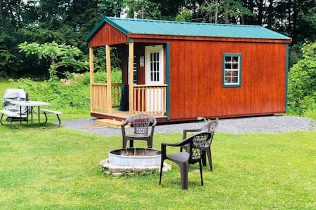 Seneca Heights Cabins - Wine on the Pond