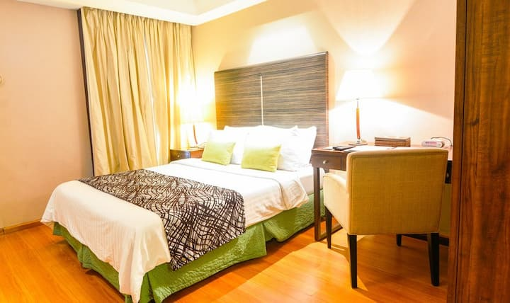 Good stay Makati  near Century City Mall交通便利