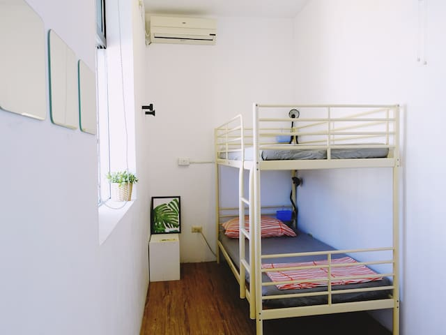 private twin room(bunk-bed)--with shared bathroom