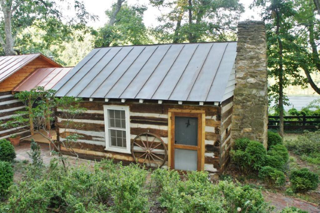 The Madison An Enchanting Cabin Cabins For Rent In