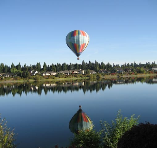 LUXURY LAKE FRONT GATED COMMUNITY!   GREAT RATES! - Keizer - Apto. en complejo residencial