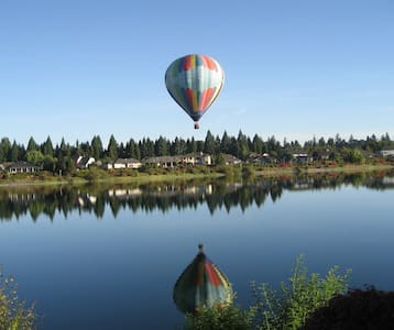 LUXURY LAKE FRONT GATED COMMUNITY!   GREAT RATES! - Keizer - Wohnung