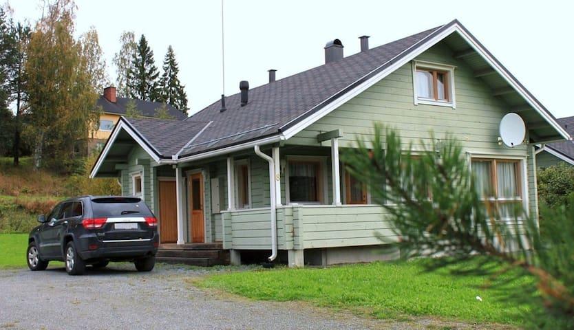 Himos. Villa by the lake - Jämsä - House