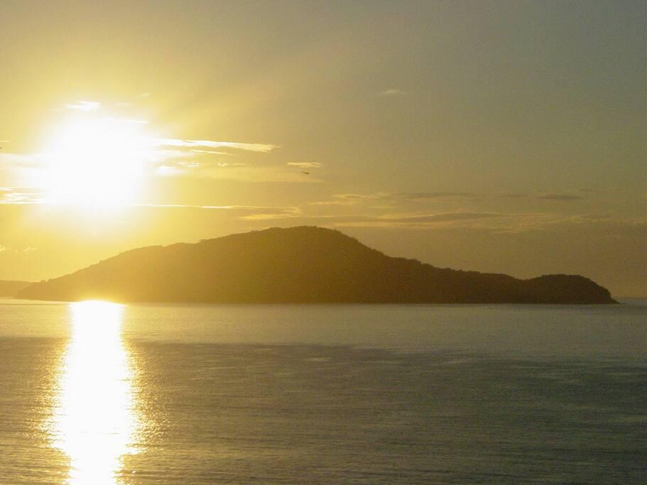 Vista ao amanhecer. Vista al amanecer. See from the dawn.