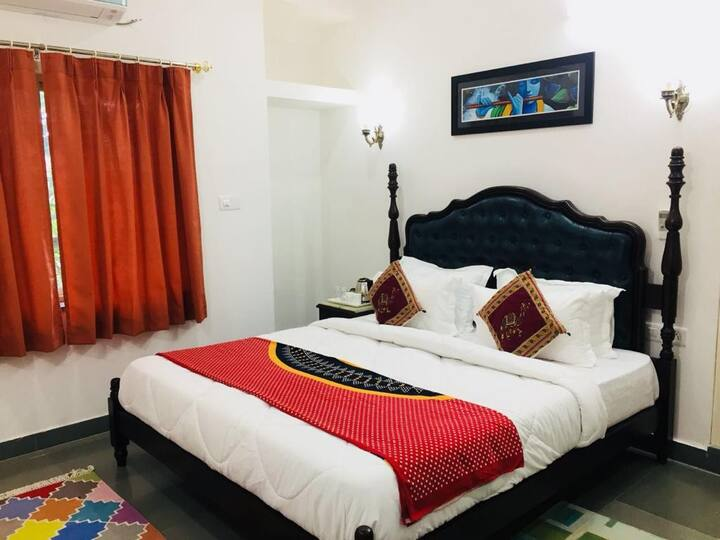 Twin Beds for Backpackers (Lakeview): PICHOLA LAKE