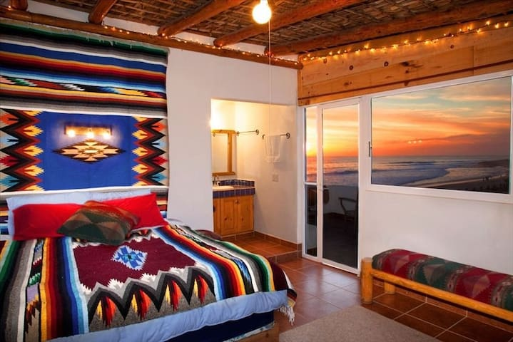 Sunset Suite @ Dr. Robert's Ocean Oasis