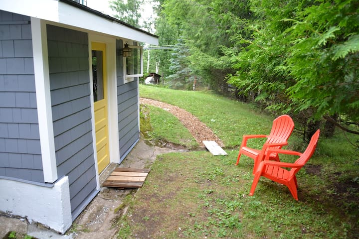 Charming Studio Apartment  - Saranac Lake - Huoneisto