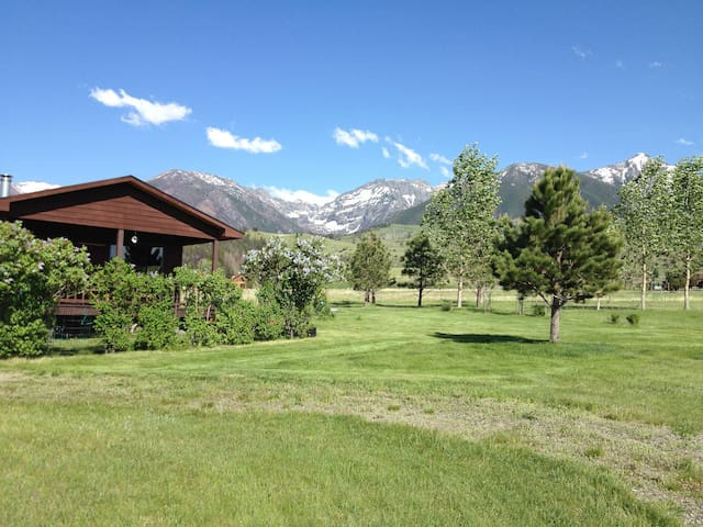 Cabin/Pine Creek/Livingston Montana