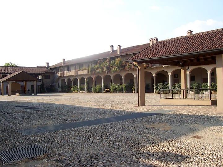 Casa in cascina storica Sant'ambrogio