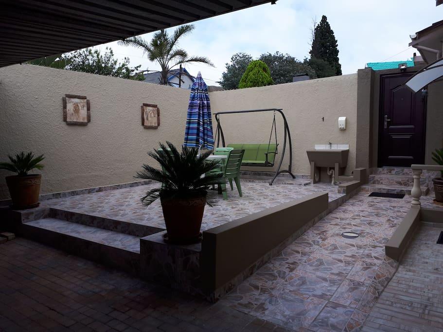 Cottage patio entertainment area
