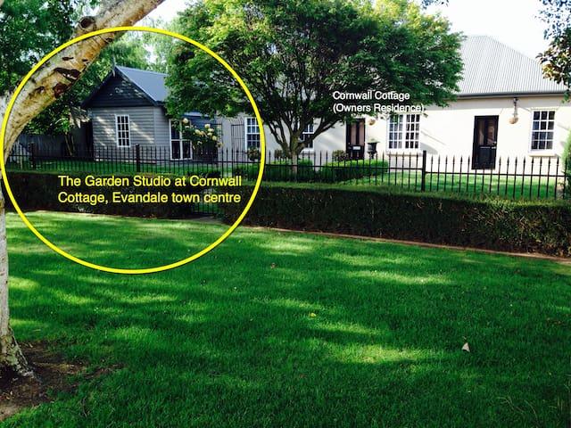 Garden Studio in Evandale